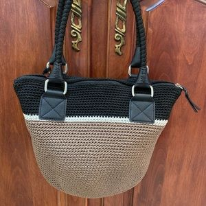The Sak ADORABLE tan/black/white crocheted bag! 👜